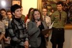 gosci-wita-dyrektor-muzeum-hanna-dugoszewska-nadratowska-obok-bogumia-umiska-komisarz-wystawy-kopia