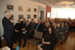 przemawia-eugeniusz-sadowski-w-tle-zgromadzona-publiczno